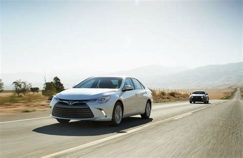 Toyota Camry Trim Levels 2017 Toyota Camry Le Vs Xle Trim Comparison
