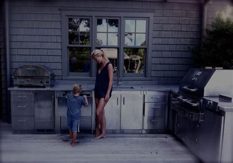 Gwyneth Paltrow Kitchen by Gwyneth Paltrow S Outdoor Kitchen