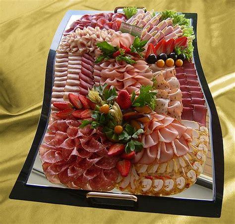 dekorieren eines speisesaals buffet sch 246 ne wurstplatte essen wurstplatte