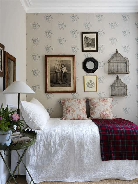 Cabbages Roses New Website by Cabbages Roses Launches New Wallpaper Collection