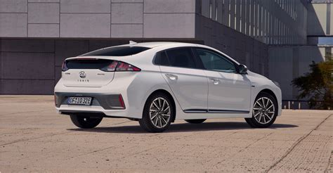 hyundai ioniq electric 2020 2020 hyundai ioniq electric gets a bigger battery the