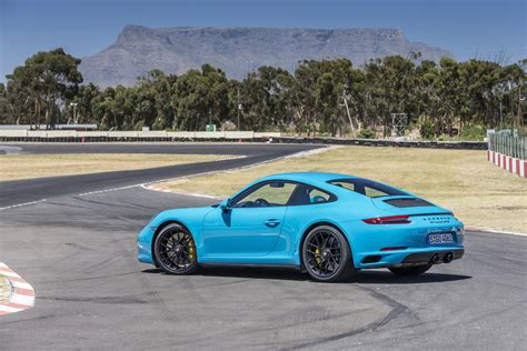 miami blue porsche targa porsche 911 gts coup 233 miami blue the 911 gts