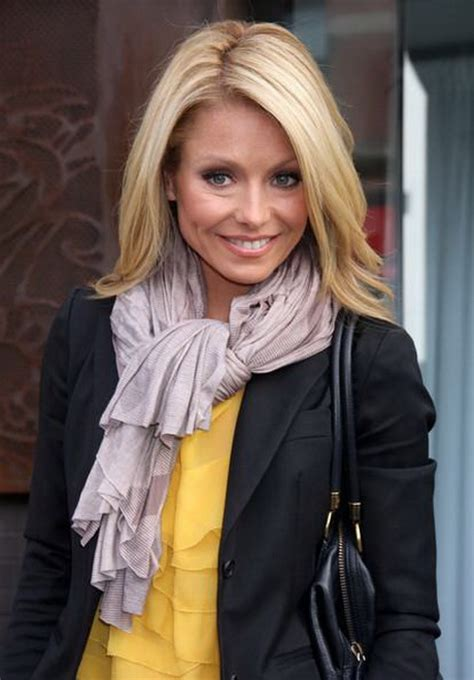 kelly ripa current hairstyle kelly ripa new haircut www imgkid com the image kid