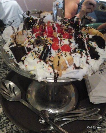 Kitchen Sink Disney World A Kitchen Sink Sundae With No Calories Really The Disney Food
