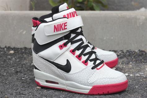 Nike Air Max Sky High nike wmns air revolution sky high safari sneakers madame