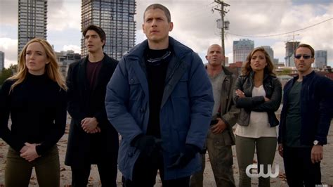 dc s legends of tomorrow wentworth miller leaving cw