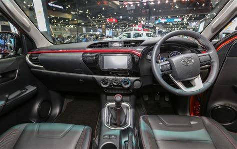 Bumper Depan Toyota Hilux Vigo toyota hilux trd sportivo diperkenalkan autos id