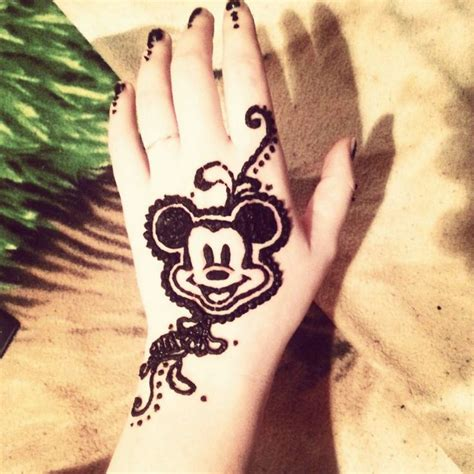 disney henna tattoo designs 25 best ideas about cool henna tattoos on
