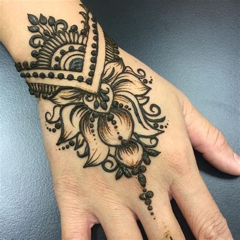 black henna tattoo on hand collection of 25 henna for