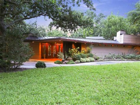 frank lloyd wright style homes for sale house of the week frank lloyd wright design back from the