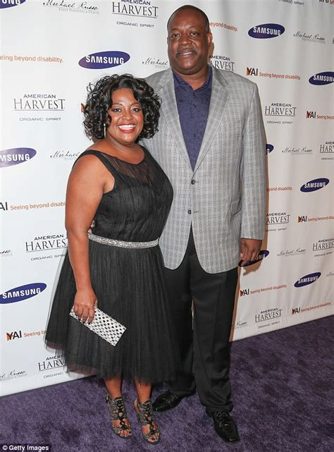 sherri shepherd and husband lamar sally getting divorced the view co host sherri shepherd s husband files for
