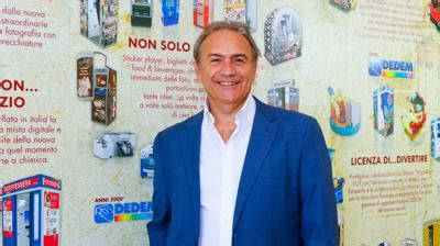 cabine fototessera roma compie 55 anni dedem con le sue macchine fototessera i