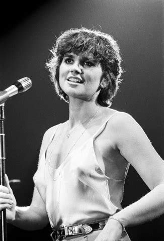 linda ronstadt fine art print from new haven veterans