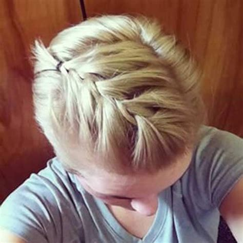 instructions on how to cut a pixie hairstyle 50 spectacular pixie cut suggestions hair motive hair motive