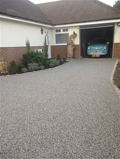 new resin bound gravel driveway surface mid kent laid resin bound gravel driveways horsham west sussex sgs