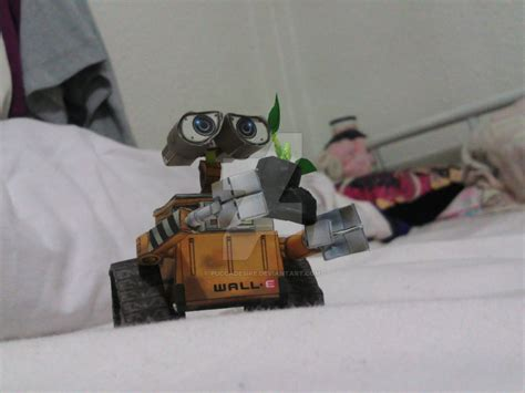 Wall E Papercraft - papercraft wall e by puccadesire on deviantart