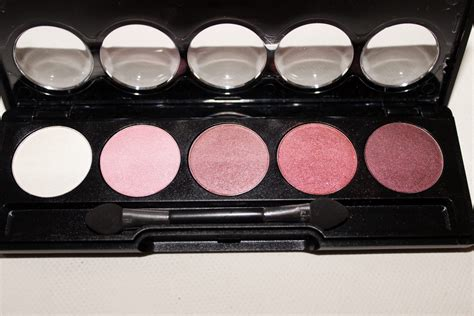 Eyeshadow Viva Pink flormar color palette eyeshadows review beautynook
