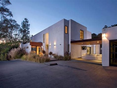 4 Bedroom Modern House by 4 Bedroom Residence In Beverly