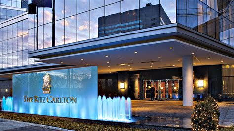 ritz carlton why should you have a ritz carlton rewards card