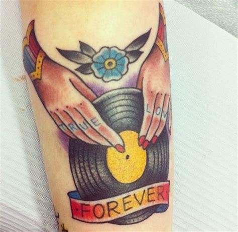 vinyl record tattoo vinyl record traditional tattoos