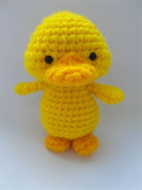 Crochet Pattern For Yellow Duck | crochet patterns the little yellow duck project
