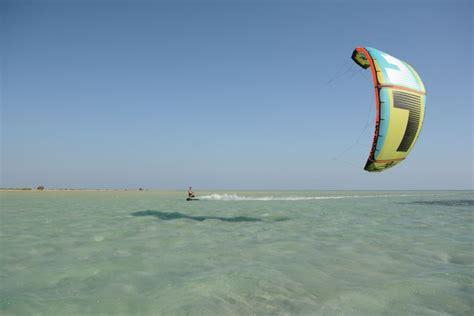 Tulip Voluminous Bra Abu Abu kitesurfen hamata kiteurlaub kitereisen 187 kiten an den