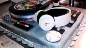 dj turntable cake that spins cakes by violet youtube