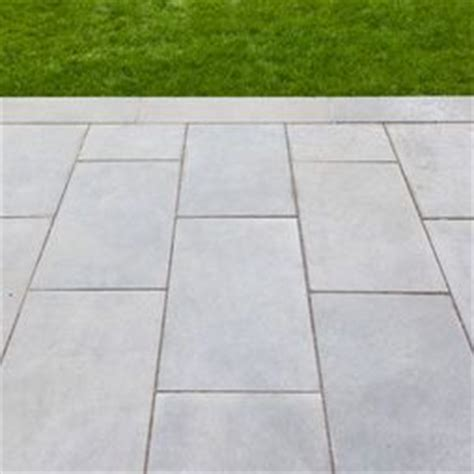 bluestone paving in a running bond gardens landscapes pinterest gray color love this