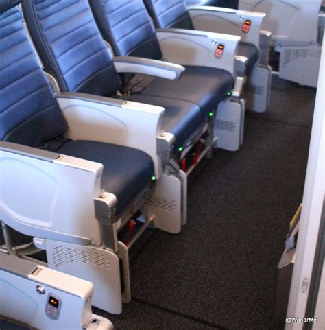bulkhead seats in airplane united airlines 777 300er 77w economy seats bulkhead