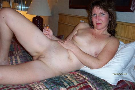 Nude Photo Of Sexy Busty Mature Wife Wanting To Get A Good Fuck Hot Girls Wallpaper