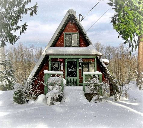 small a frame house comfy cabin tiny house swoon