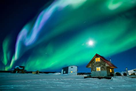 places to see lights best places to see the northern lights the globe