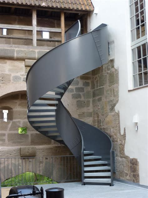 wendeltreppen geländer innen metalltreppe au 223 en design
