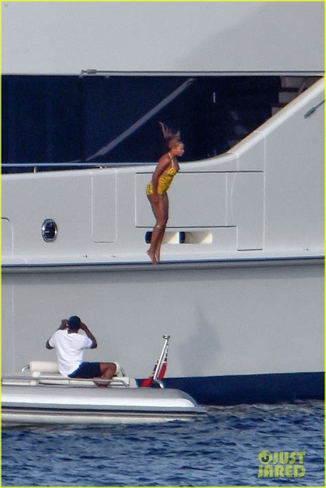 Beyonces On A Yacht by Beyonce Jumps Yacht In Italy See The Photos