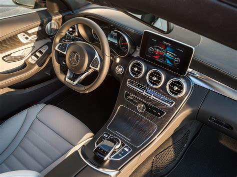 interno test italiano nuova mercedes classe c station wagon immagini ufficiali