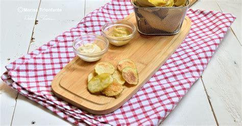 cucinare le patate al microonde chips di patate al microonde due procedimenti patata e