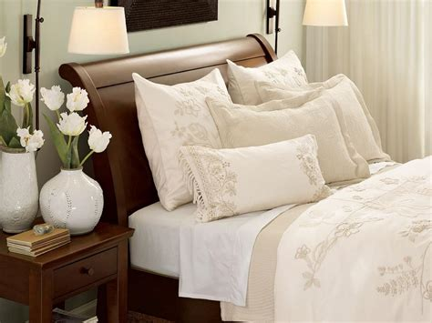 all white bedrooms 10 all white bedroom linens bedroom decorating ideas for