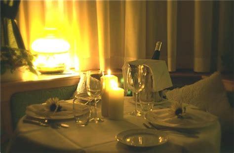cena a lume di candela a casa speciale anniversario hotel baita fiorita di deborah