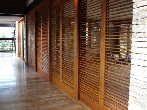 persiana veneziana 25 melhores ideias de porta veneziana que voc 234 vai gostar