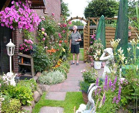 blumengarten anlegen bauerngarten anlegen welche pflanzen bauerngarten anlegen