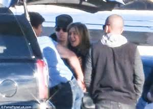 jennifer aniston and justin theroux jet off on honeymoon jennifer aniston returns home with husband justin theroux