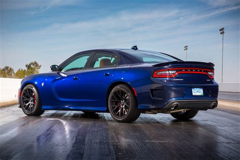 charger hellcat fca to boost production of 2016 dodge charger challenger
