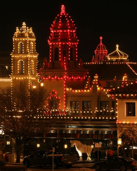 Plaza Lights Kc by Unwrap A Quot Season Of Magic Quot With Kansas City S New