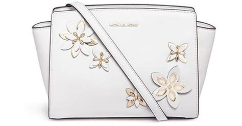 Michael Kors Flower Selma Sz 26x20x19cm michael kors selma medium floral embellished messenger bag in white lyst