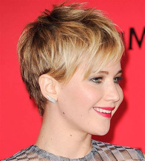 is jennifer lawrence hair cut above ears or just tucked behind celebrity short haircuts we love pinterest she does