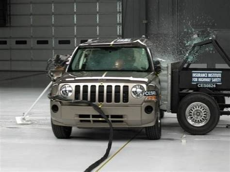 Jeep Patriot Crash Test 2008 Jeep Patriot Side Iihs Crash Test