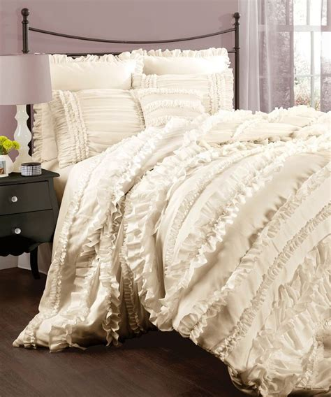 cream coverlet 15 best ideas about cream bedding on pinterest gray