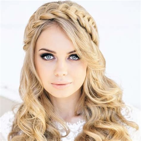 Wedding Hairstyles For Different Dress Types by 73 Unique Wedding Hairstyles For Different Necklines 2017