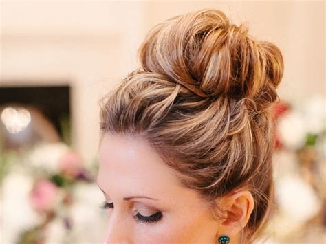 Hairstyles For Medium Hair Easy Bun by 101 Easy Bun Hairstyles For Hair And Medium Hair