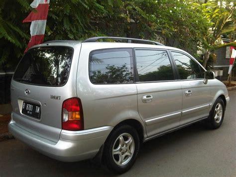 hyundai th hyundai trajet gls manual th 2001 7 seat mobilbekas